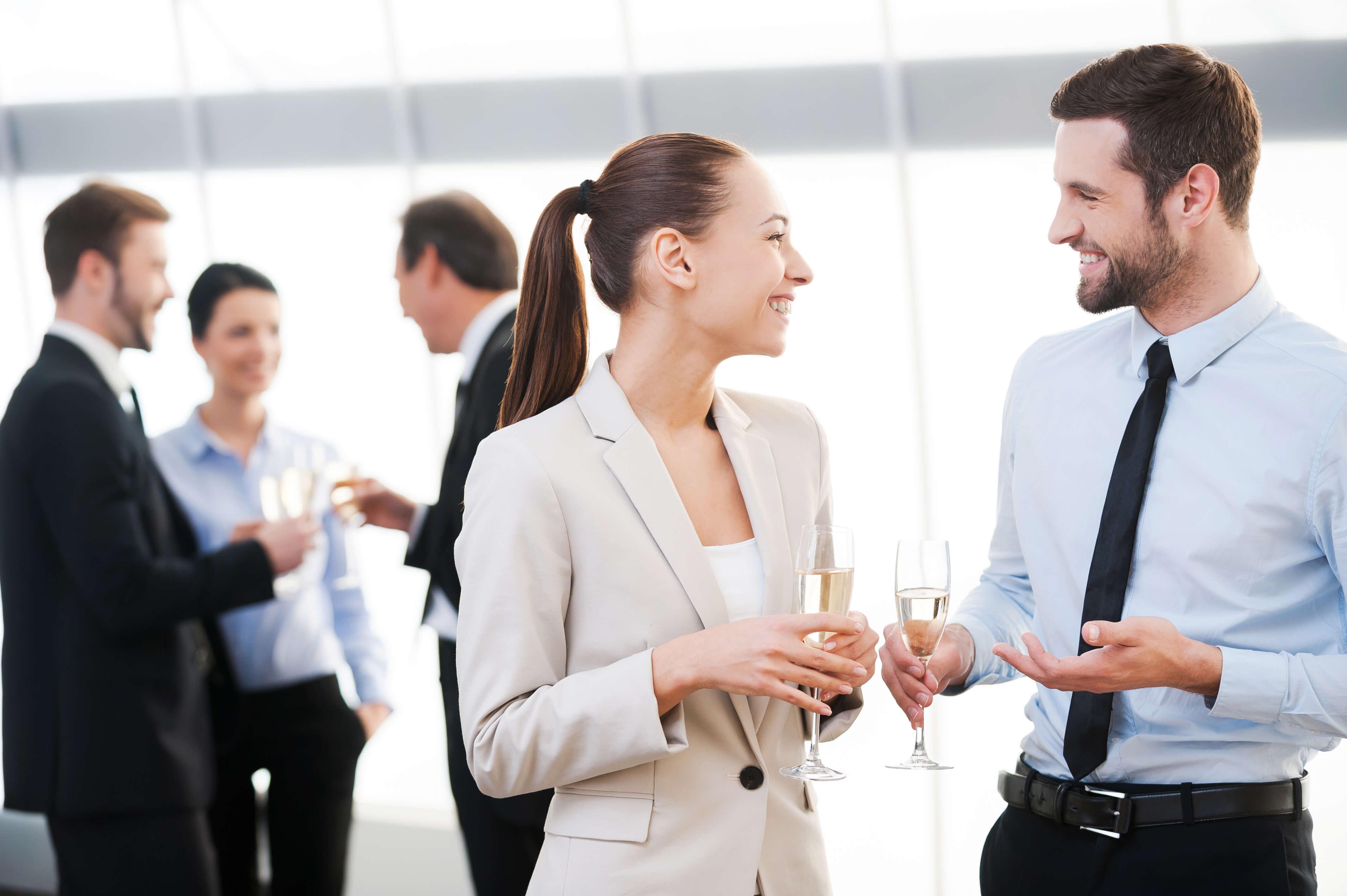 Aprenda a fazer networking em eventos e não perca mais oportunidades!