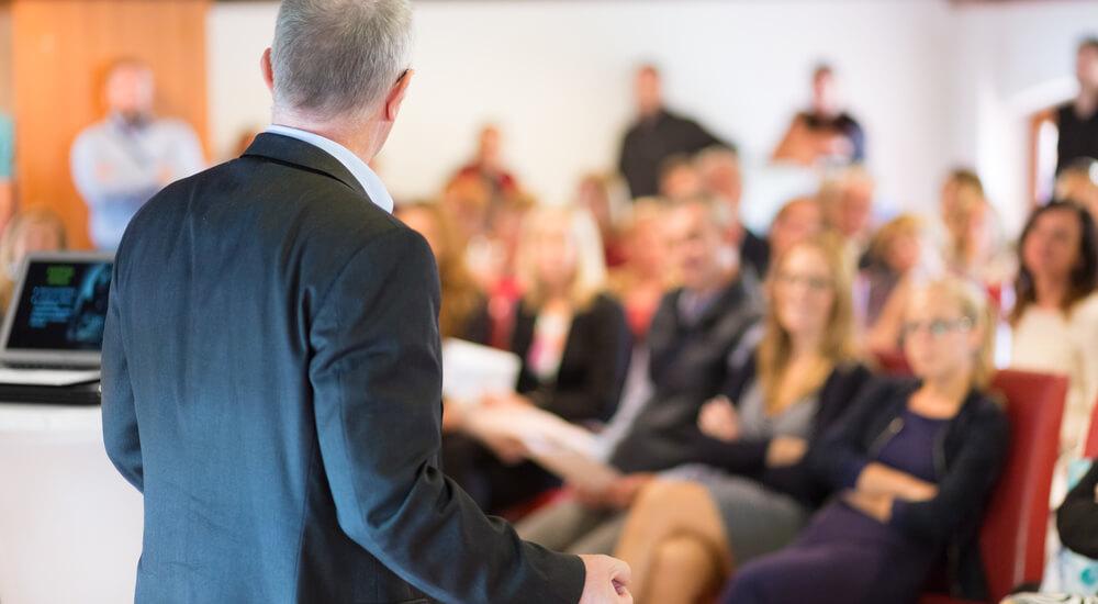 Saiba como organizar palestras de coaching