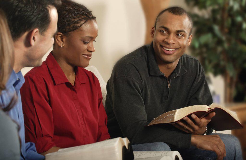 Aprenda como preparar um curso de batismo com 5 dicas incríveis